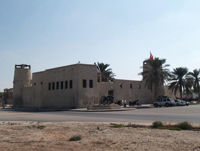 Старинная крепость Умм-аль-Кайвайна