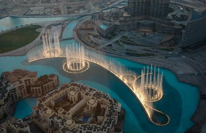 Знаменитые поющие фонтаны Дубая