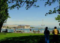 Вид из парка на Женевское озеро