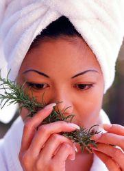 rozmarýnový olej na vlasy