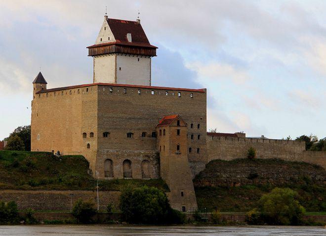 Нарвский замок или замок Германа