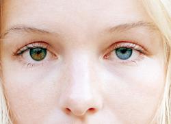 oczy kameleony charakter