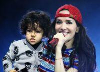 Наталья Орейро с сыном Мерлином
