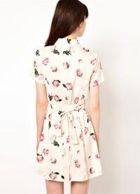 Sukienka z kwiatowym nadrukiem 9