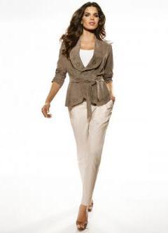 Ženske klasične hlače so se zožile na dno11