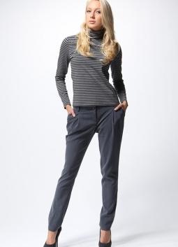 Ženske klasične hlače so se zožile na dno14
