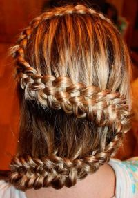 svečane frizure s pletenicama