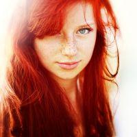 огненият червен цвят на косата