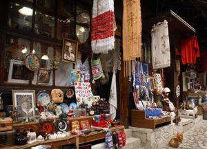 Сувенирная лавка в Фиери