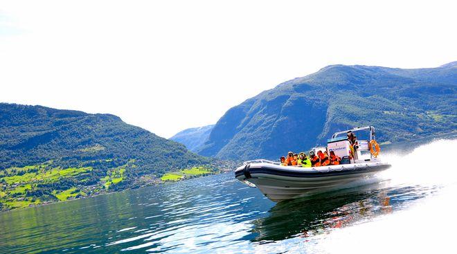 Сафари по фьорду во Фламе (FjordSafari)