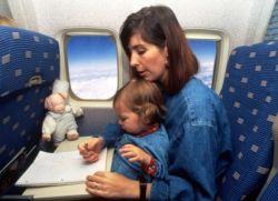 kako otroka zabavati v letalu