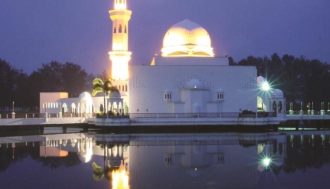 Мечеть в ночное время