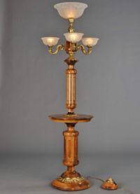Lampa podłogowa ze stołem5
