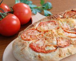 Focaccia s rajčicama
