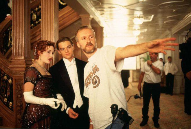 Джеймс Кэмерон  на съемках Титаника с Кейт и Лео
