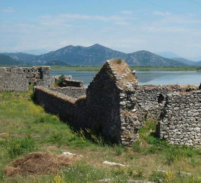 Древние руины