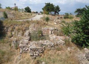 Остатки древних стен в крепости Скопье