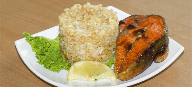 украсити пиринач за рибу