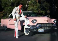 Элвиса Пресли и легендарный розовый Кадиллак