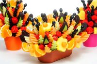 Jak ozdobić talerz owoców 2