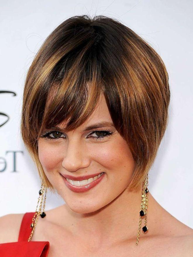 челка для круглого лица на средние волосы четыре