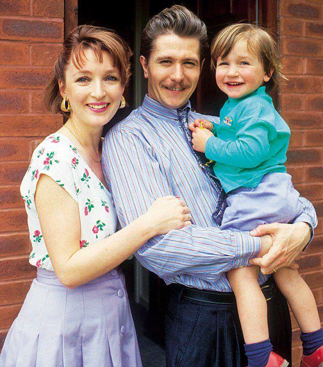 Гэри Олдмен с  Лесли Менвилль с сыном