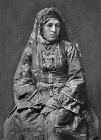 Gruzijska nacionalna obleka 1