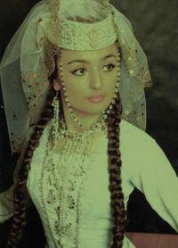Gruzijska narodna obleka 3
