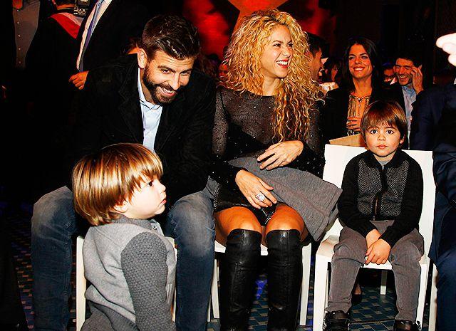 Шакира и Жерар  с детьми стали гостями премии Estrella Catalan в Барселоне