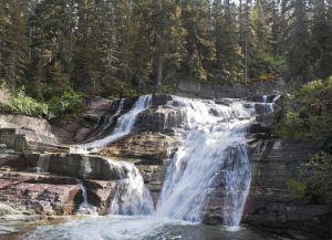 Водопад в окрестностях