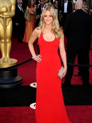 dziewczyna w czerwonej sukience 2