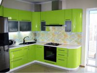 zelena sjajna kuhinja1