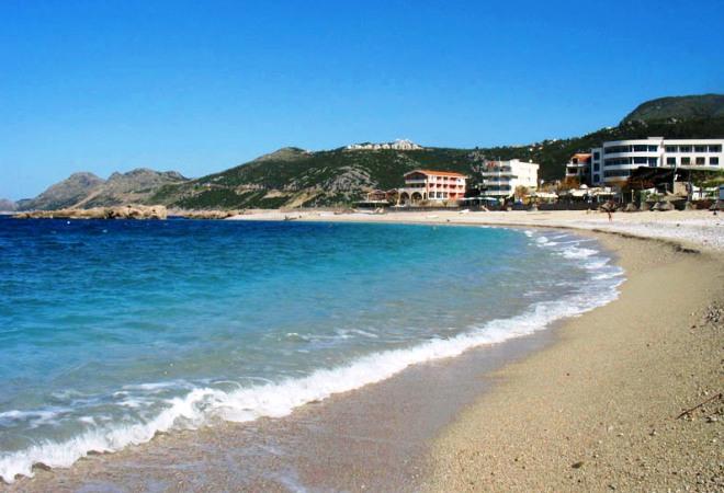 Пляж в Добра-Вода