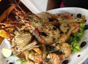 Les Canisses Resto & Plage блюда из морепродуктов