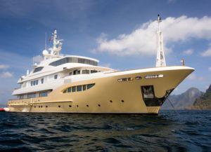 Лайнер Yacht Charters