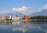 Озеро возле парка