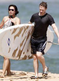 Марк Цукерберг и Присцилла Чан на пляже