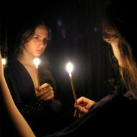 věštění se svíčkou a zrcadlem