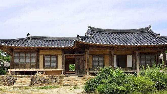 Дом в деревне Хахве, построенный в стиле эпохи династии Чосон