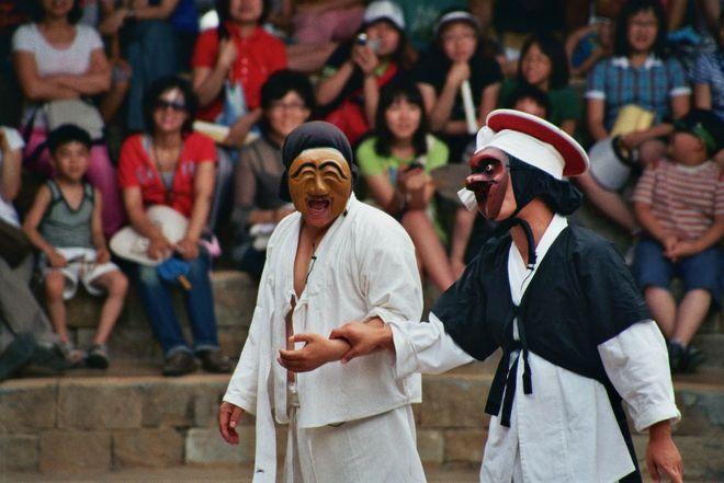 Фестиваль масок в деревне Хахве