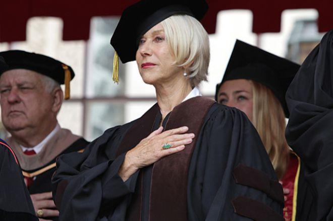 Хелен выступила перед выпускниками университета