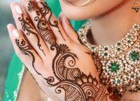 henna painting2