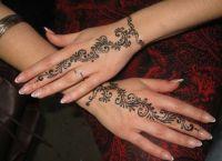 henna painting4