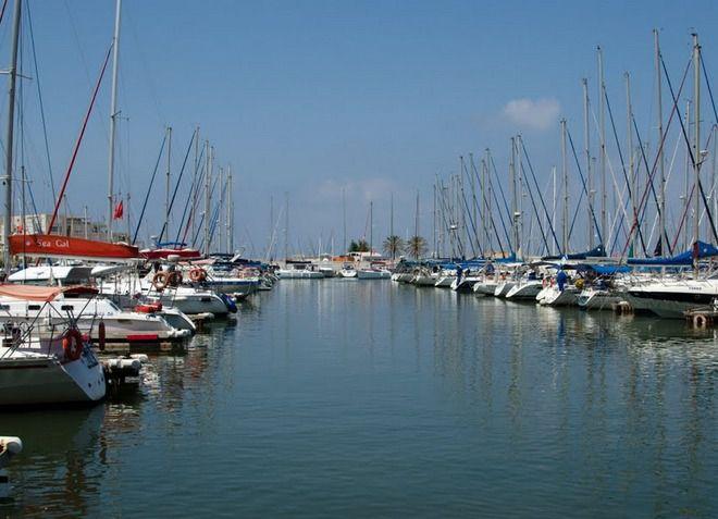 В Герцлии очень развит яхтинг