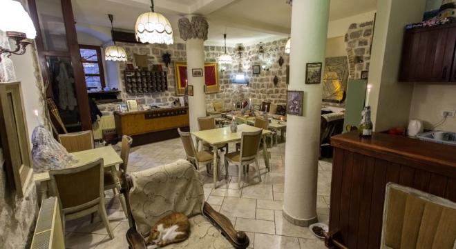 Hostel Old Town Kotor - хостел в Которе