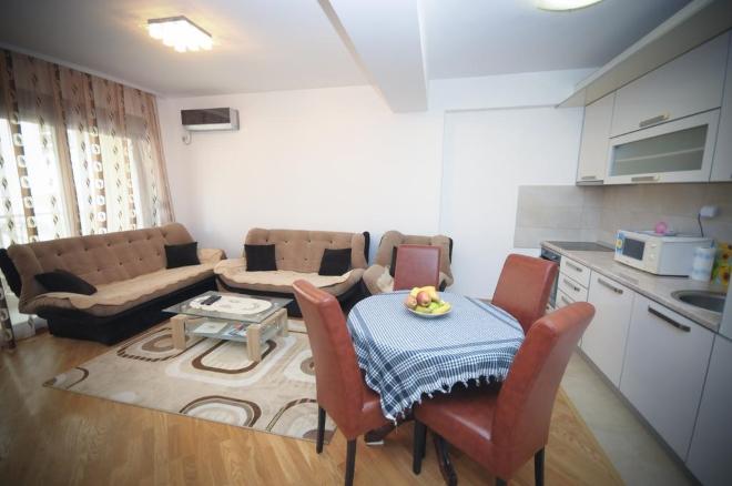 Adelisa apartments в Будве