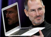 Сооснователю и главе Apple Inc. Стиву Джобсу человечество обязано персональными