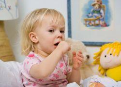 kako hitro pozdraviti dojenčkov kašelj