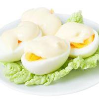ile białka gotuje się w jajku