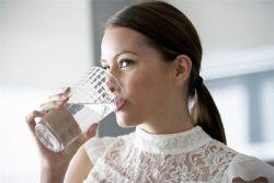ile wody potrzebuje dana osoba